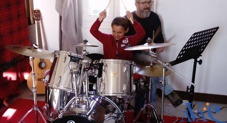 Fred Manès, professeur de batterie à l'AVAC